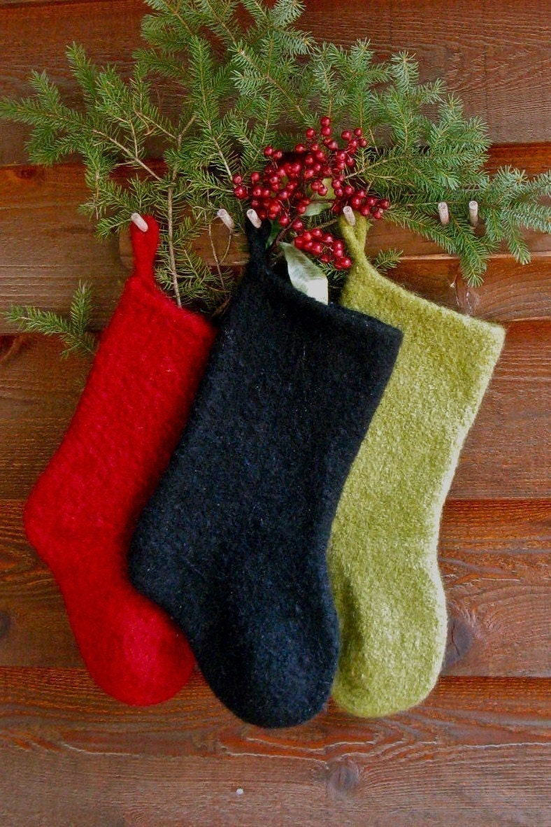 Knitted Christmas Stocking Patterns Easy : Felted Christmas Stocking KNITTING PATTERN by by annieswoolens