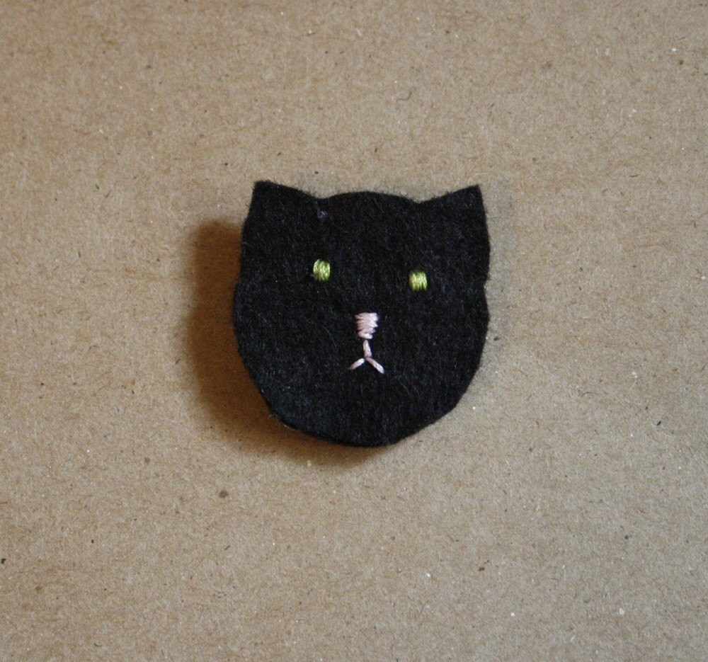 black kitten cat brooch
