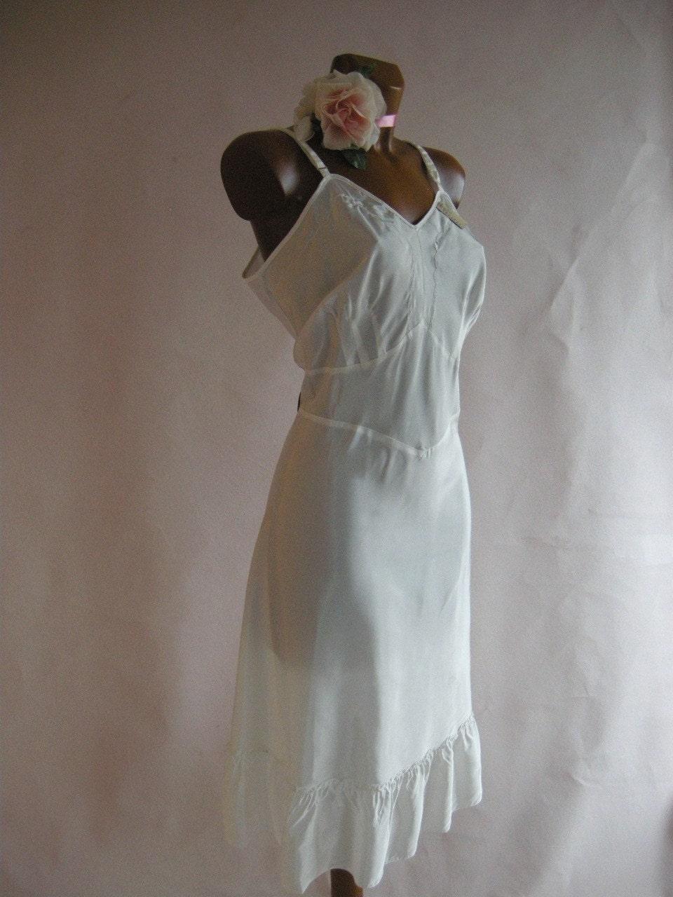 SWISHY White Ruffled Vintage 40s Full Slip 40 Bust by empressjade from etsy.com