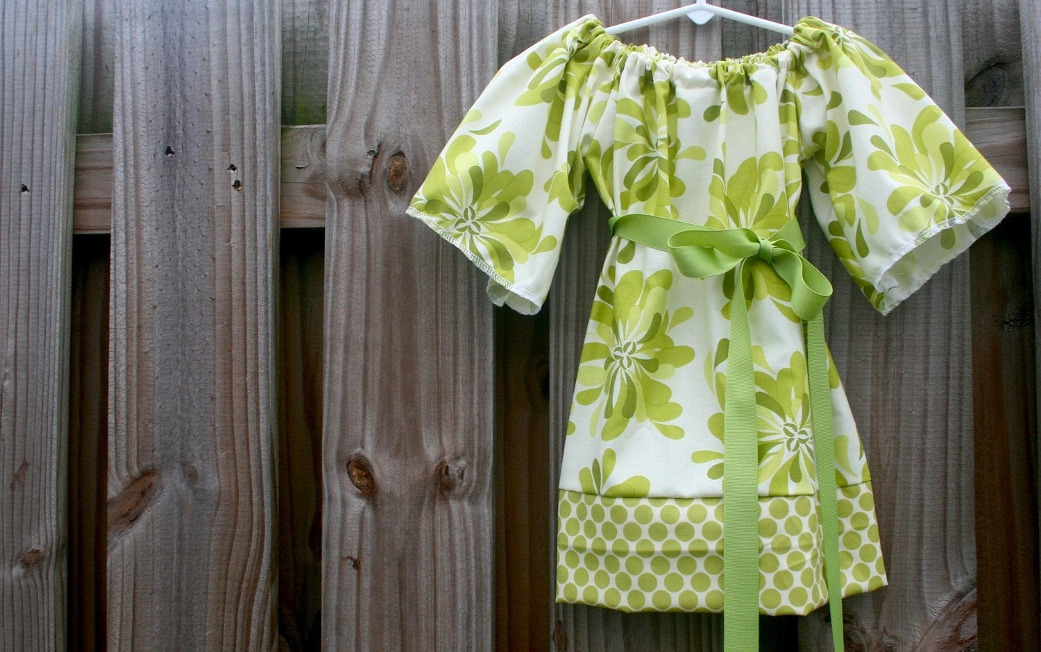 The Tunic Dress........Petal Party in Green