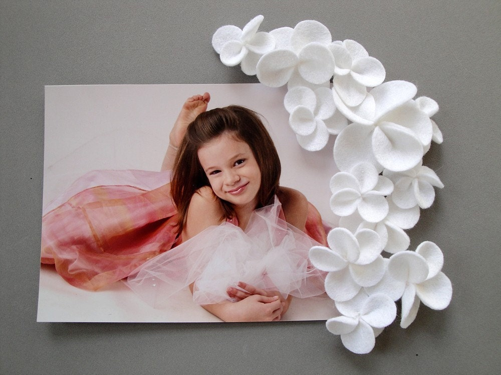 White Cascading Flower Magnets - Set of Four