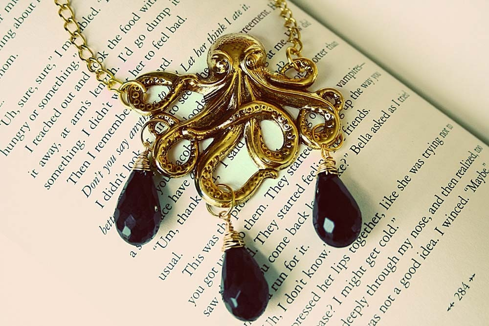 Octopus squirts ink necklace