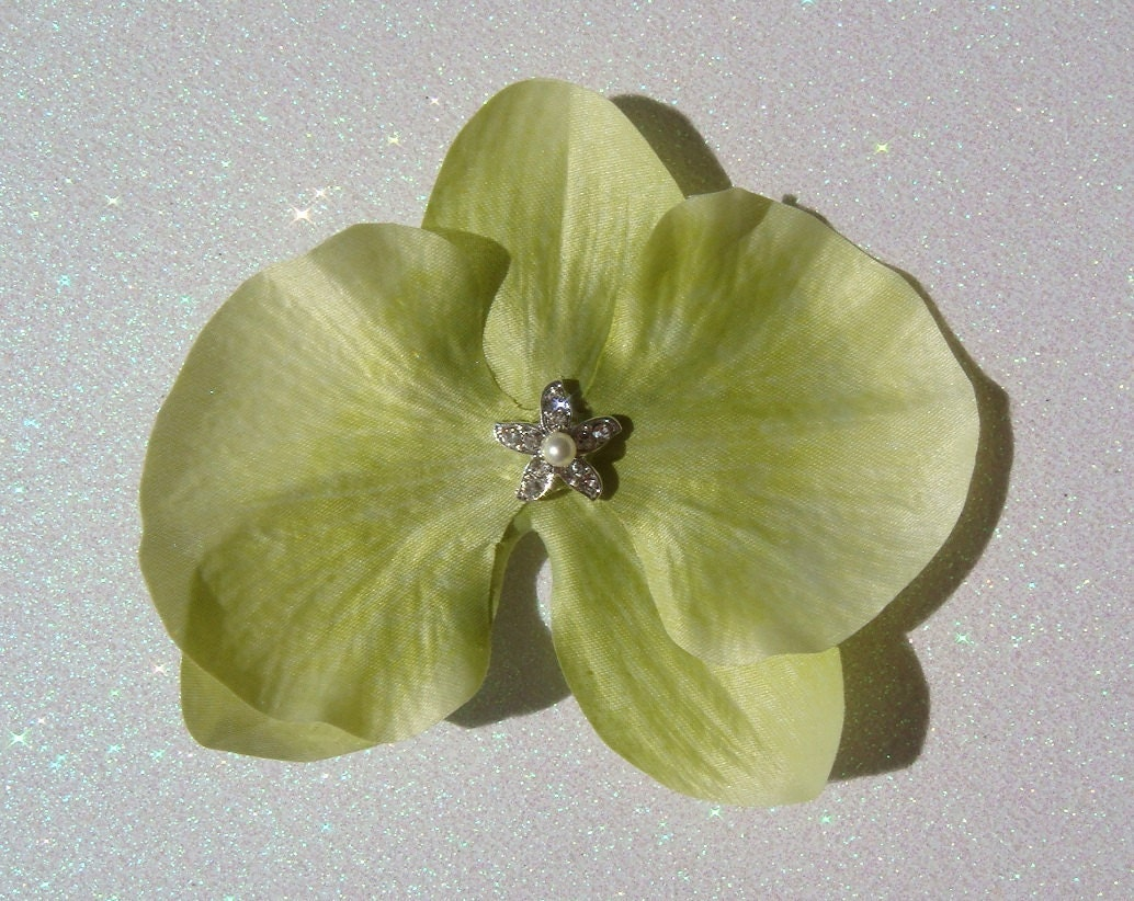 Destination Wedding Green Orchid Flower with Rhinestone STARFISH and pearl / bridal off white ivory orchid hair flower clip BEACH
