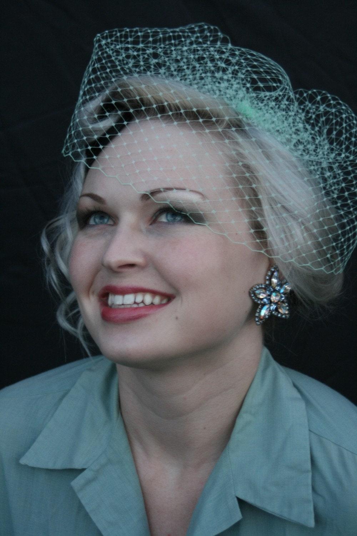 birdcage veil the pretty pear bride plus size bridal magazine