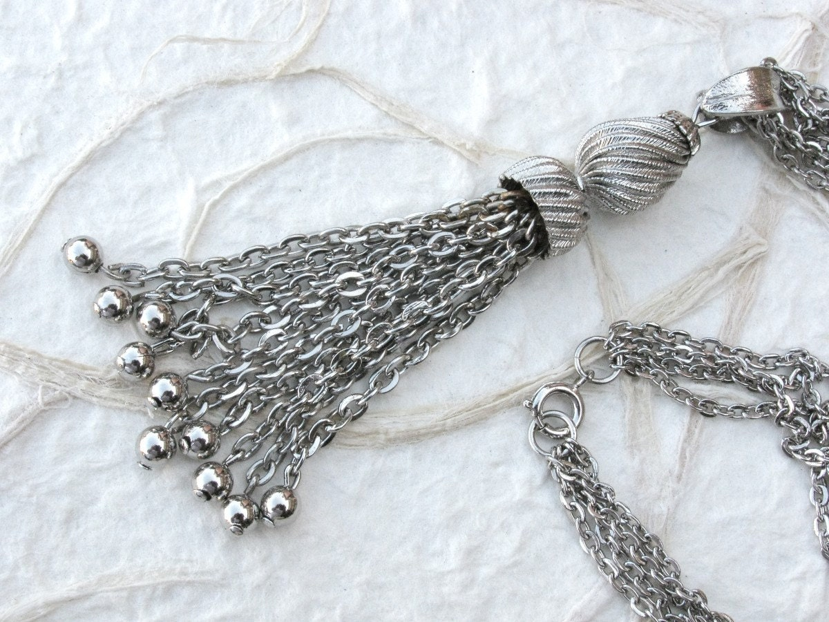 Vintage Silver Tone Chain Tassel Pendant by BajunaJewelryVintage from etsy.com