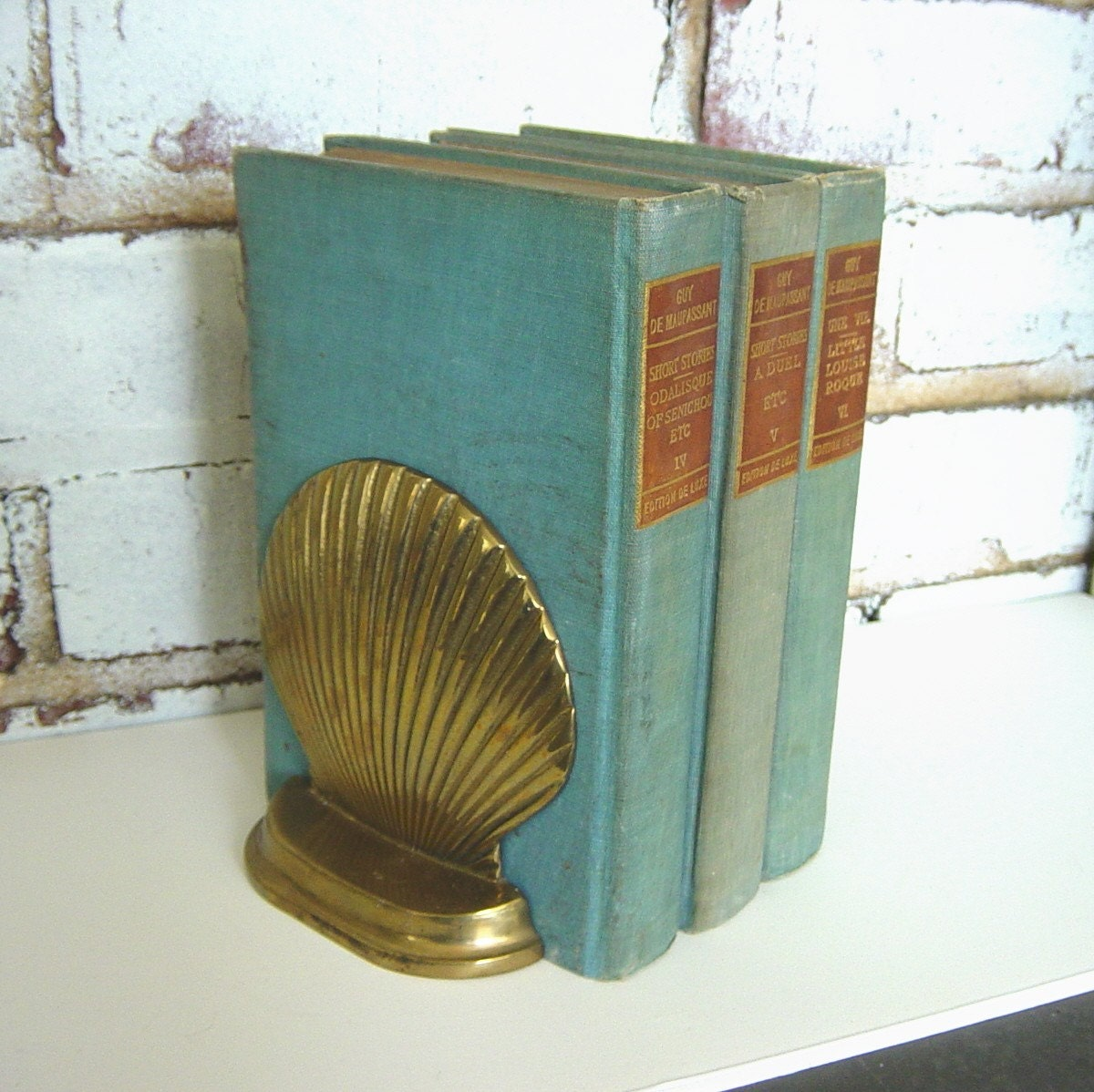 Vintage Seashell Clam Bookends Brass