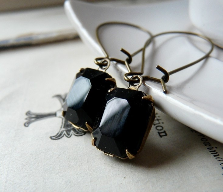 Black eyes - Vintage glass earrings