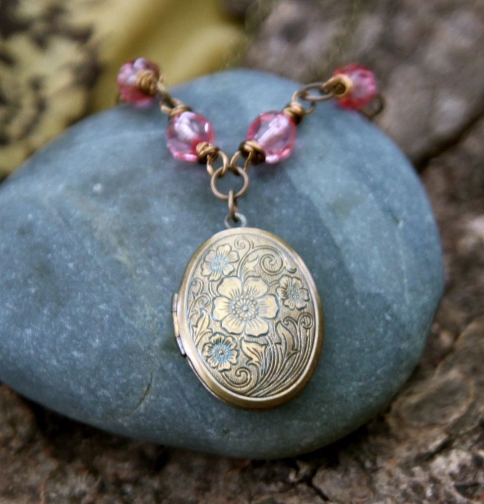 this is me . a (whispered) soul mantra locket