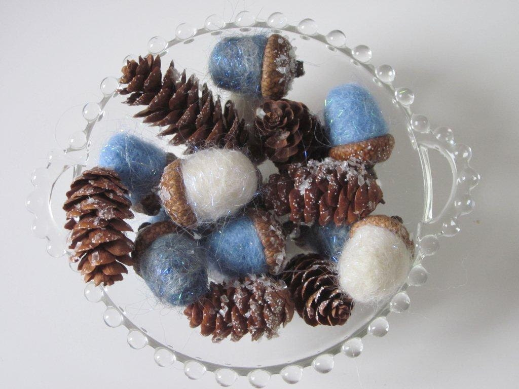 Winter Wonderland - Sparkling Acorns and Pinecones - Woolettes