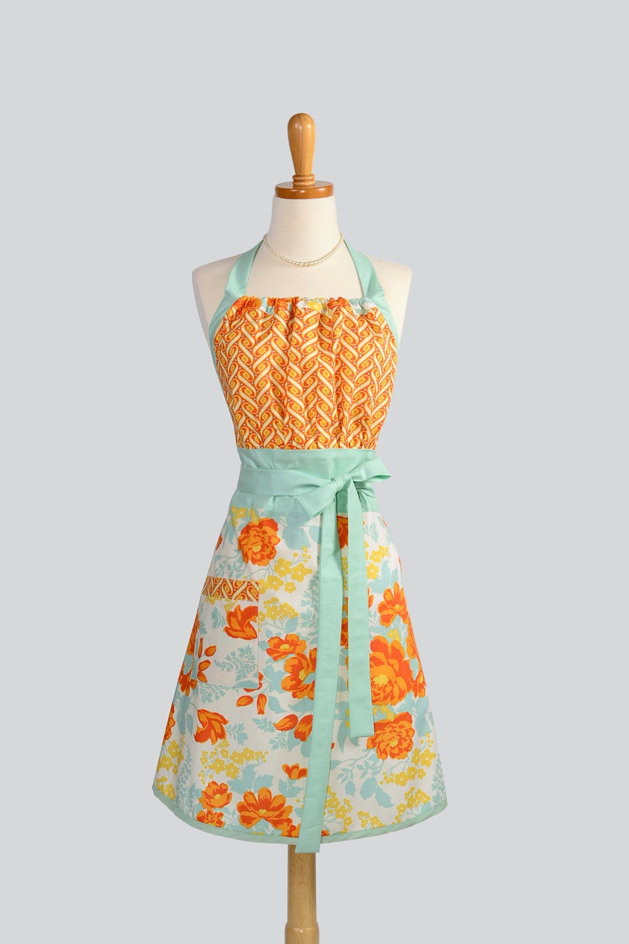Pretty Kitchen Aprons  Cute Vintage Aprons  Country Living