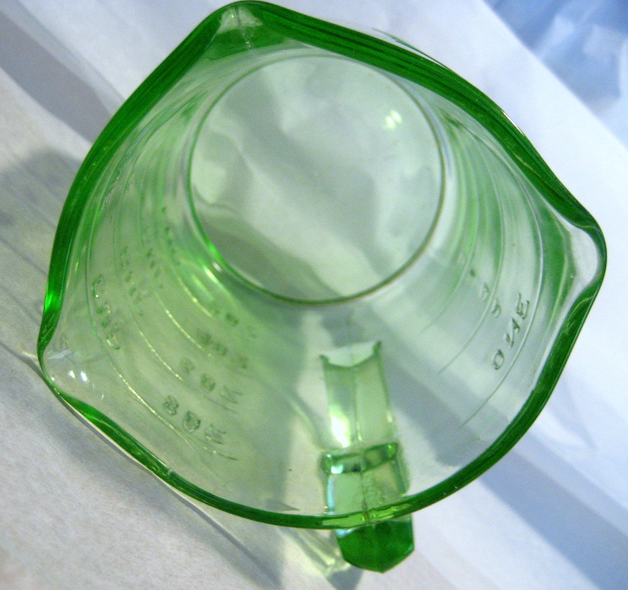 Depression Glass, Green, Measuring Cup, Helen Atlas, 3 Spouts - tenanthousevintage