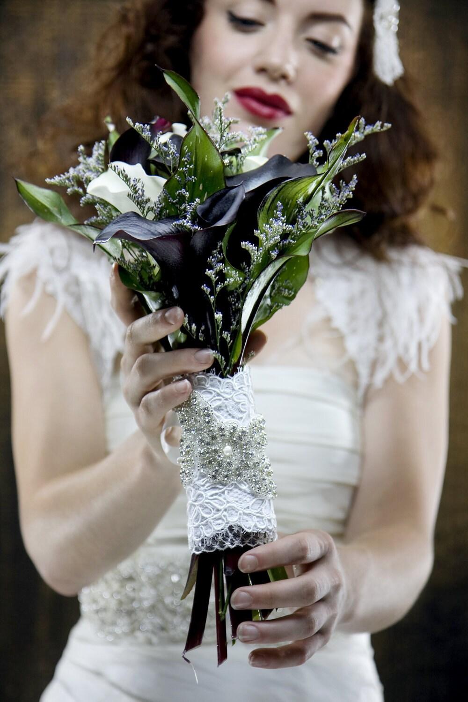 РОМАН Свадебные кружева Сбор и Rhinestone Букет Wrap