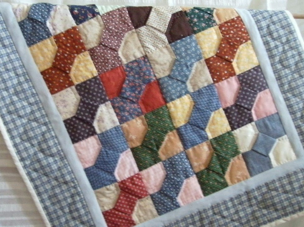 Small Quilt Bow Tie Designtraditional Pattern By Amandasgranny
