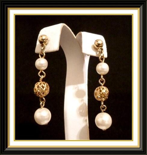 Vintage Goldtone Dangle Pearl Pierced Earrings Pearl and Goldtone Wedding Earrings Bridal Jewelry
