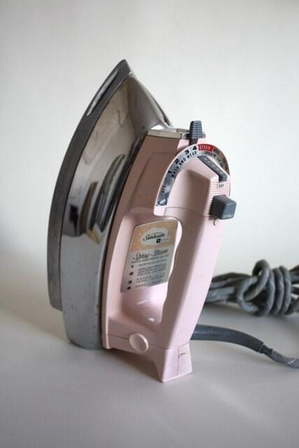 Vintage Sunbeam Iron 100