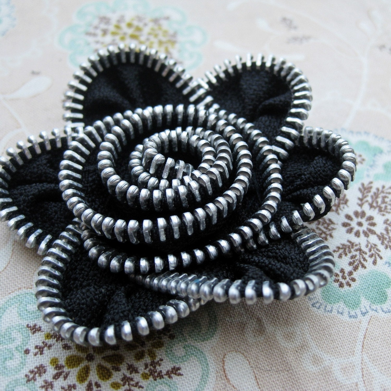 Crochet Zipper : Newsboy Hat with Zipper Flower Crochet Pattern And by CrocheTrend