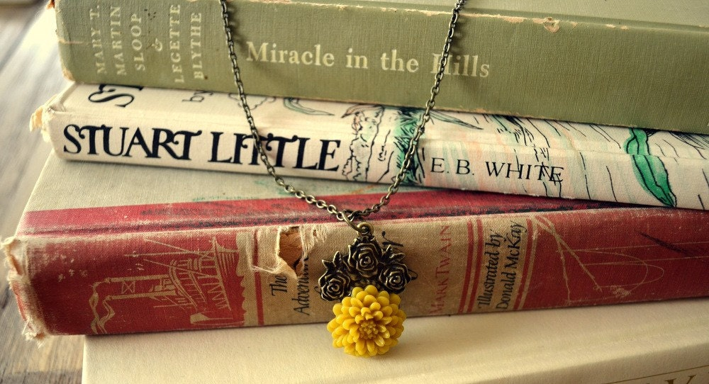 MYA -- Mustard Yellow Mum on a vintage style setting and chain.