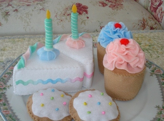 Felt Birthday Dessert Play Food Set