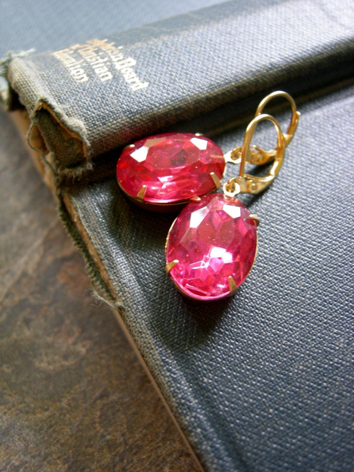 Hollywood Luxe Earrings (Hot Pink Ovals)