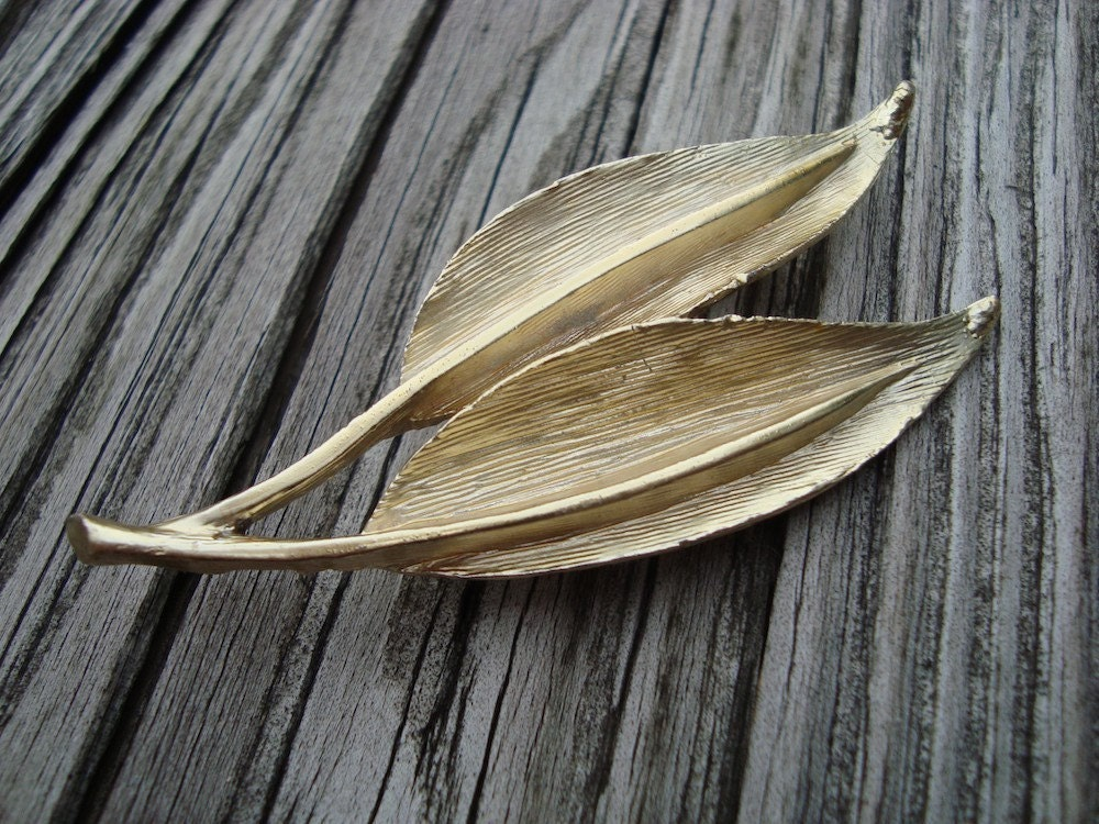 Vintage Golden Leaves Brooch