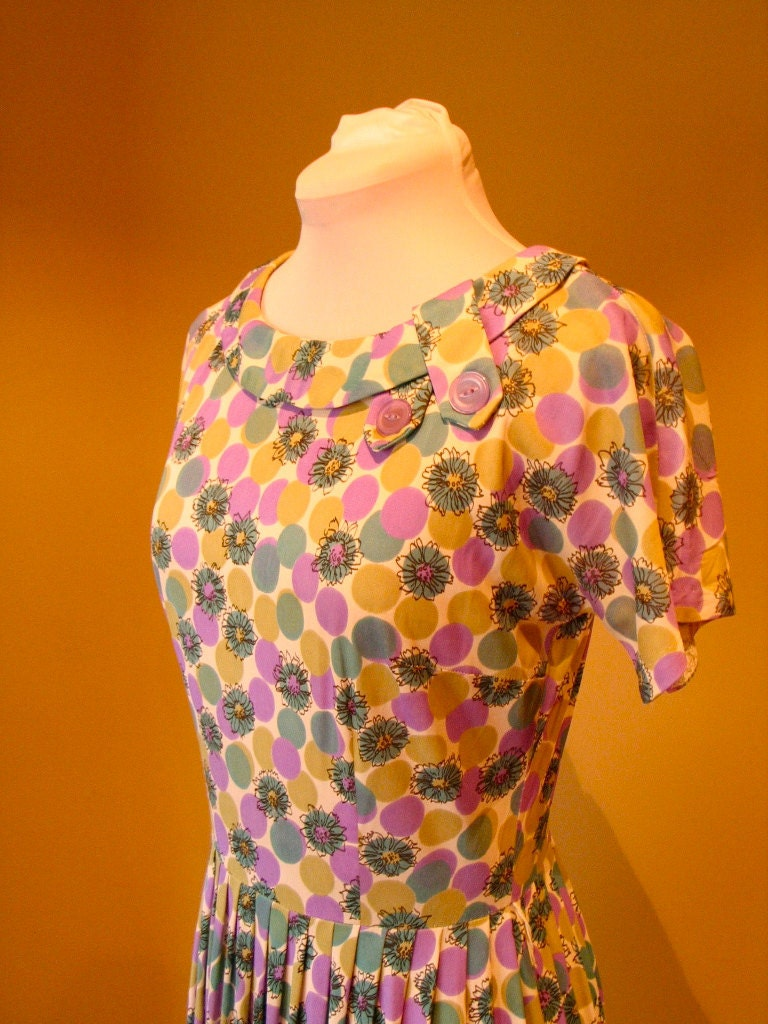 Vintage Late 1950s Early 1960s Dotty Day Dress - M/L
