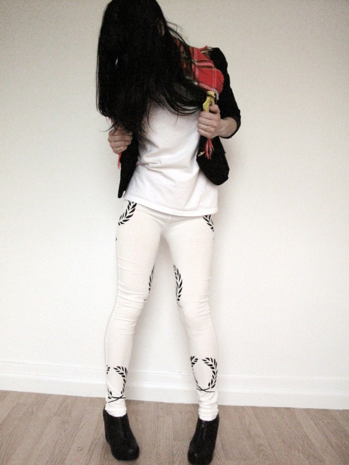 White Leggings With Print Of Olive leaf In Black