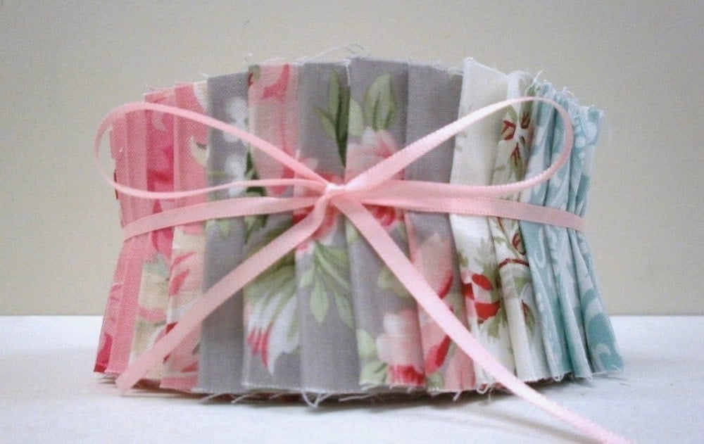 Tanya Whelan Ava Rose Quilting Fabric Jelly Roll