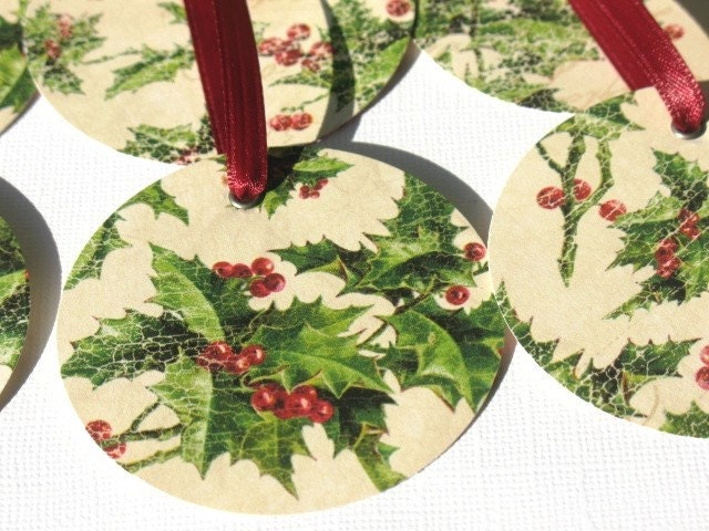 Under The Mistletoe - Round Gift Tags