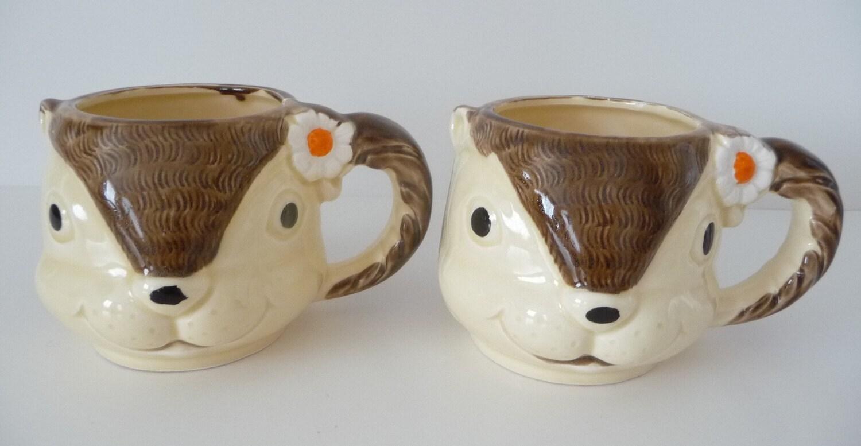 Vintage Pair of Ceramic Enesco Squirrel Mugs Japan