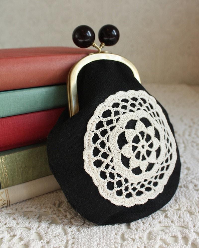 портмоне с классическим крючком кружева, черной шерсти