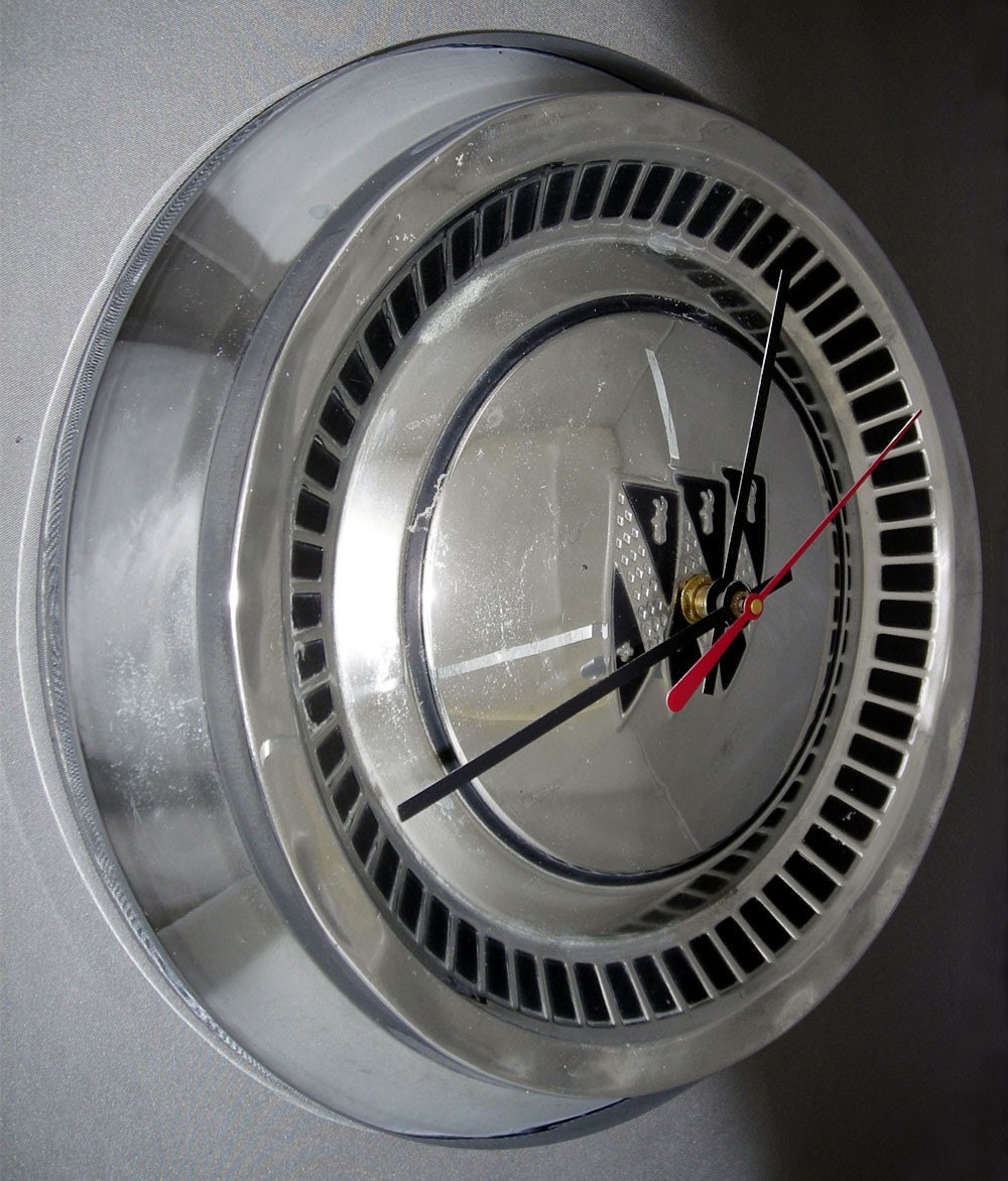 1960's Buick Hubcap Clock