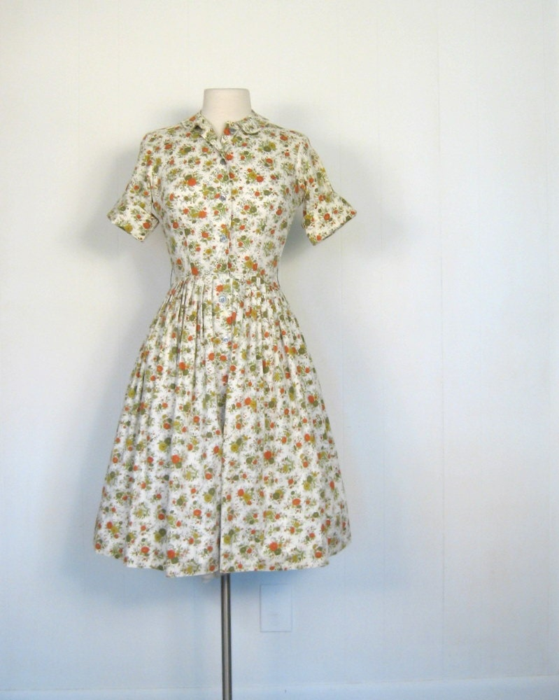 Vintage Shirtwaist Dress / Full Skirt Dress / 60s / Autumn Flowers / XS
