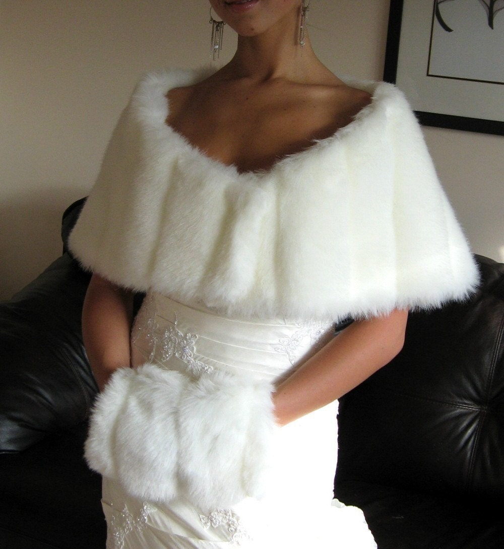 Off-White Mink Fur Shawl