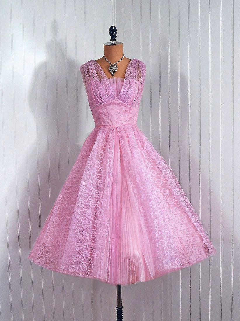 1950's  Vintage Elegant Lavender-Pink Sheer Lace-Couture Illusion Sweetheart  Shelf-Bust Rockabilly Nipped-Waist Princess Ballerina-Cupcake Pleated  Middle-Pleat Bombshell Circle-Skirt Wedding Formal Cocktail Prom Party  Dress