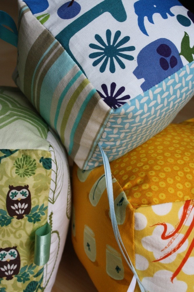 blue green yellow, cloth blocks