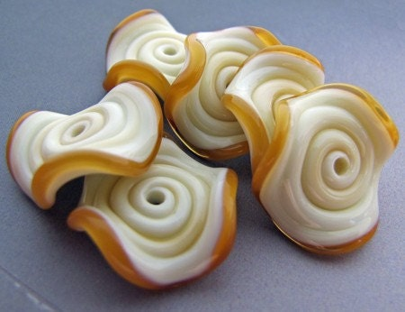 AMBER IVORY RUFFLE LAMPWORK GLASS DISC BEADS