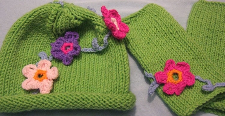 FREE SHIPPING-FLORAL HAT  AND WRIST WARMERS(GREEN)