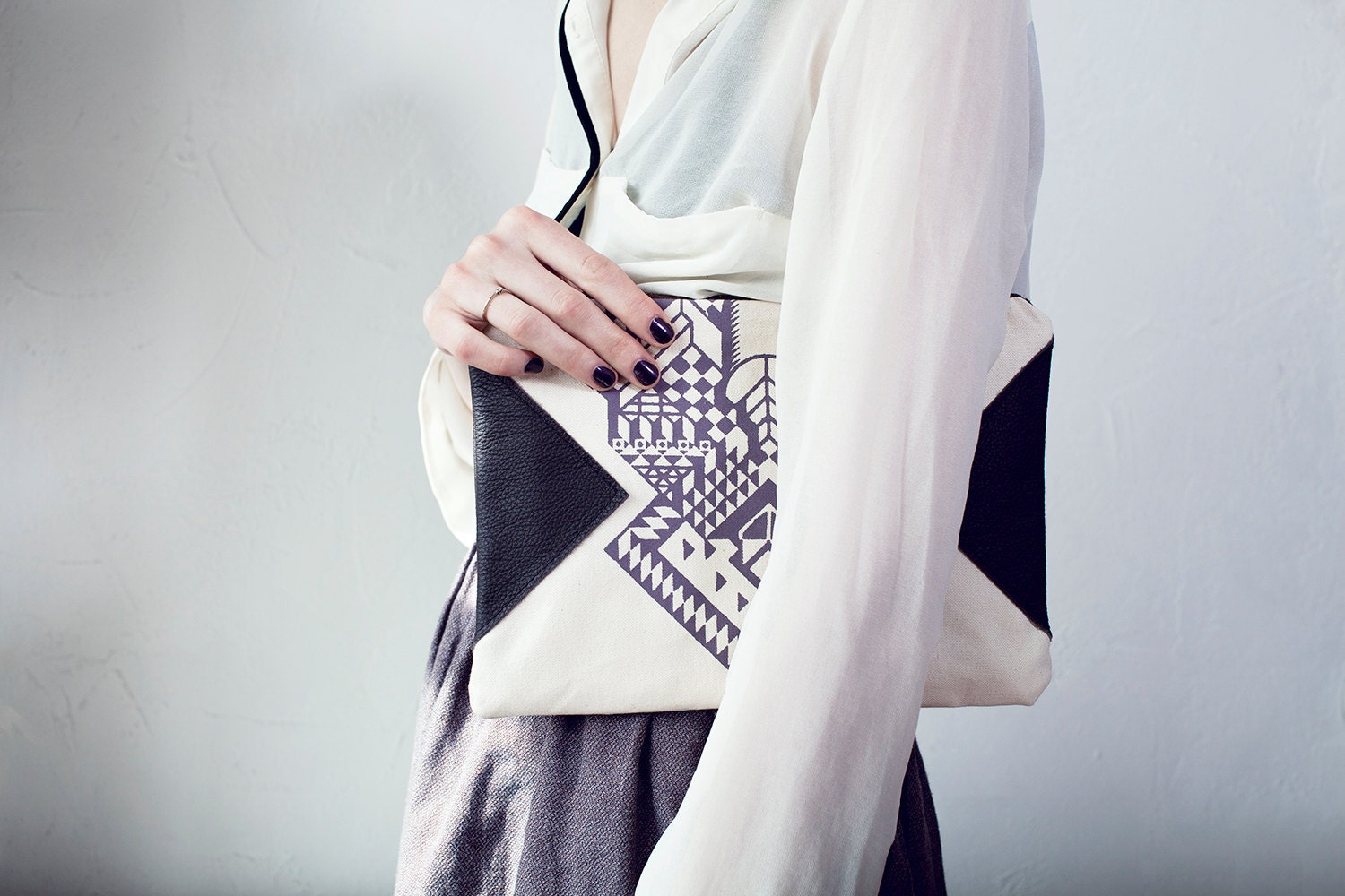 Geometrical Illusion Printed  Leather Pouch  Lavender