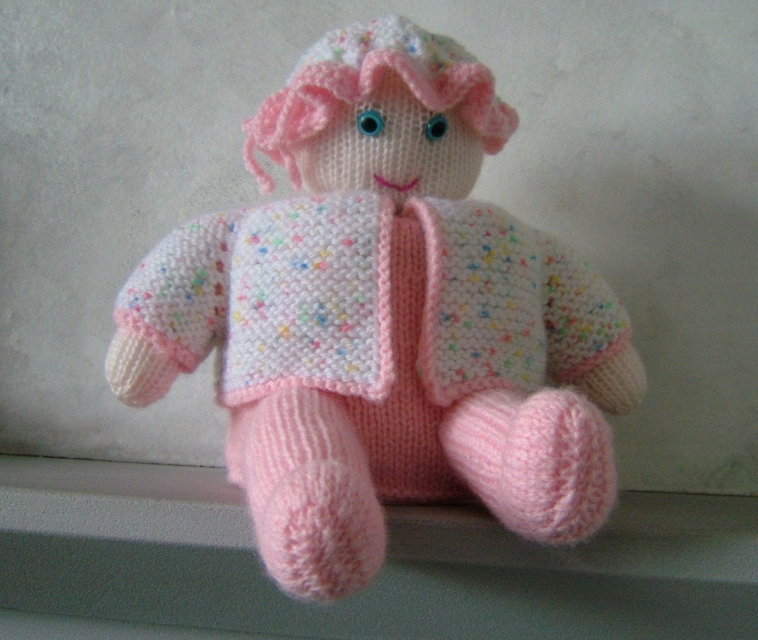 Baby Wipes pdf knitting pattern for toilet roll by woollythoughts