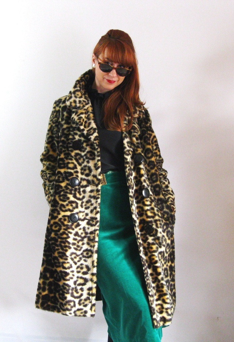 A Leopard On The Prowl-Free Shipping
