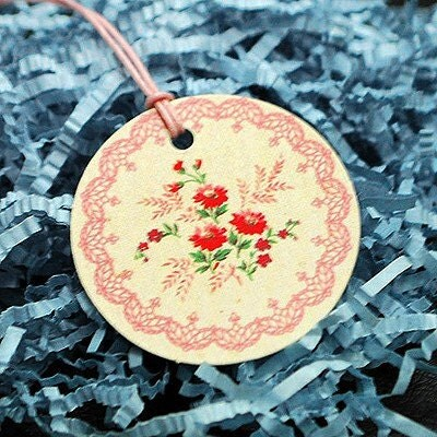 Set of 10 Vintage Flower Circle Hang Tags