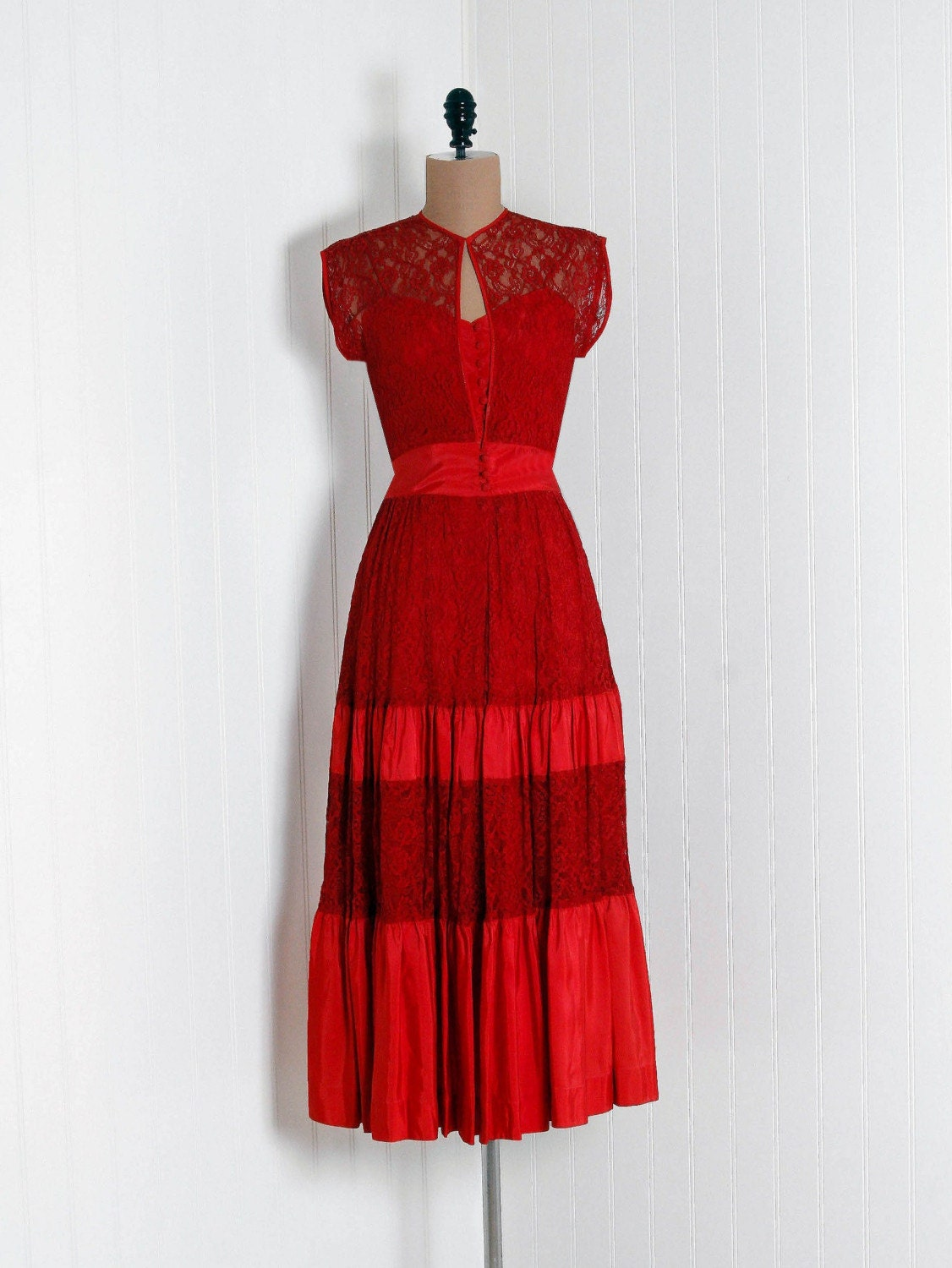 1940's  Vintage Seductive Ruby-Red Lace and Silk-Taffeta Sculpted  Designer-Couture Sweetheart Sheer-Illusion Plunge Nipped-Waist  Rockabilly Femme-Fatale Bombshell Swing-Skirt Noir Princess Formal  Wedding Evening Cocktail Party Dress