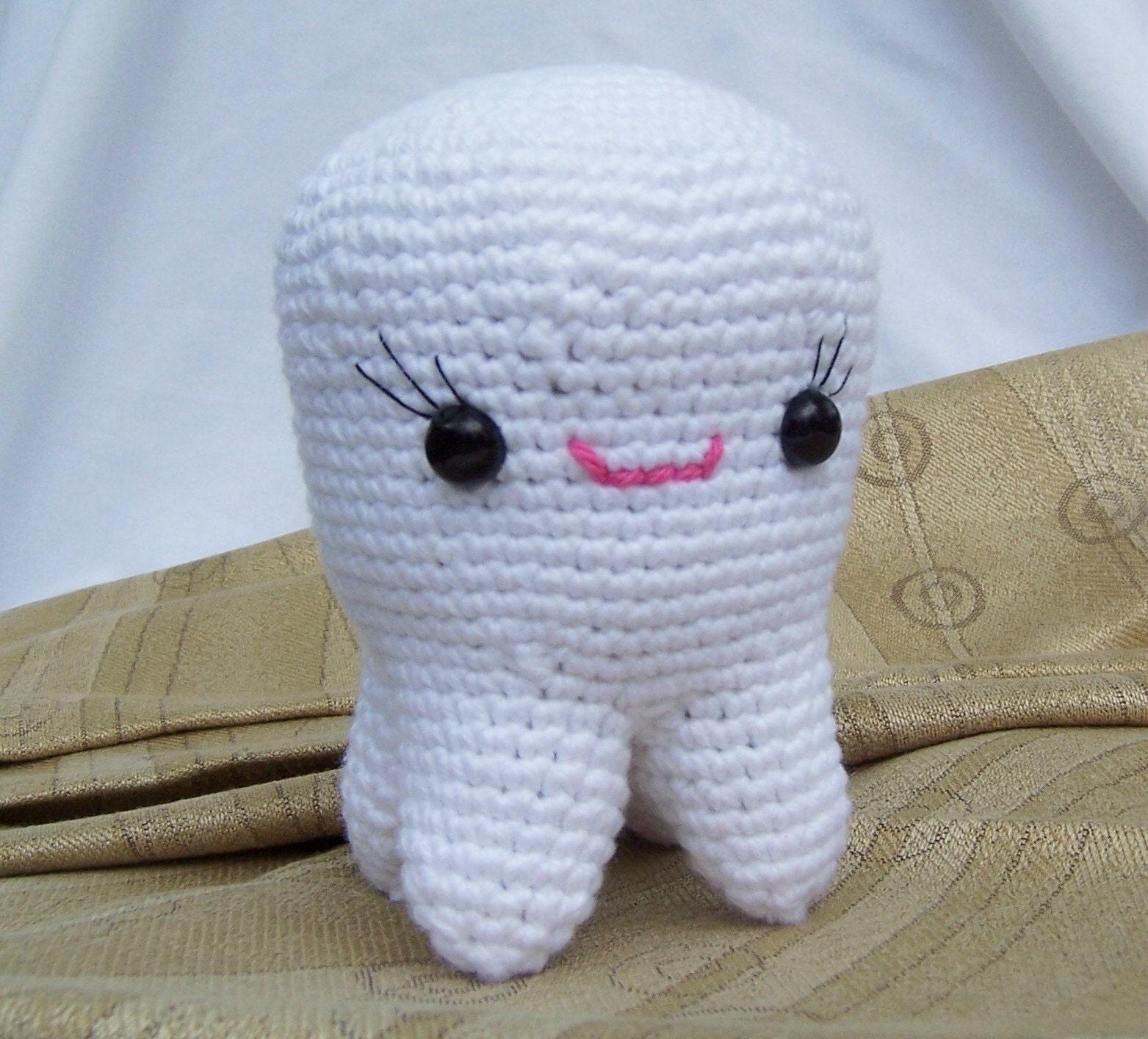 tooth amigurumi