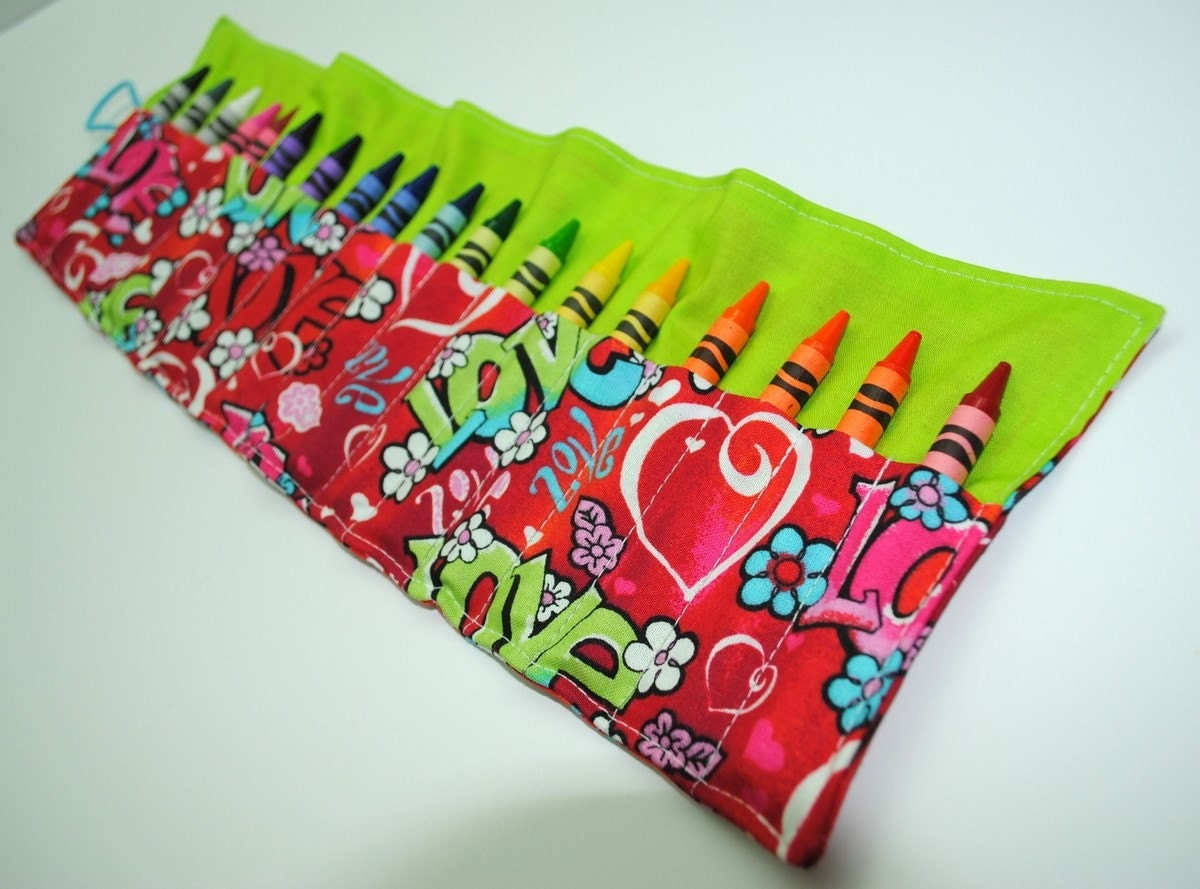 Crayon Keeper Roll Love holds 18 crayons 8 Crayola crayons included