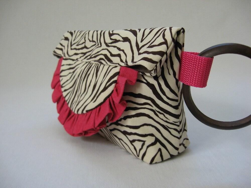 derrick rose mother_03. more cheetah print background. Hot+pink+cheetah+print+ackground