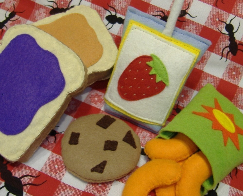 Peanut Butter and Jelly Lunch PDF Pattern