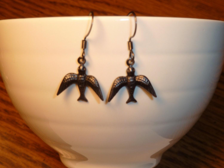 Sweet Black Metal Swallow Earrings