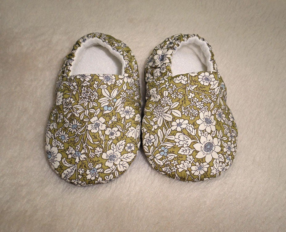 Baby Shoes Baby slippers Soft Sole Shoes Crib Shoes Fabric Shoes Green Shoes Flower Shoes Baby Accessories Pram Shoes
