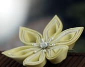 Lemon Cream - Silk Kanzashi Flower Hair Clip