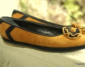 Vintage 40s Leather Flats Black Mustard Suede Rose ornament Size 8 1/2